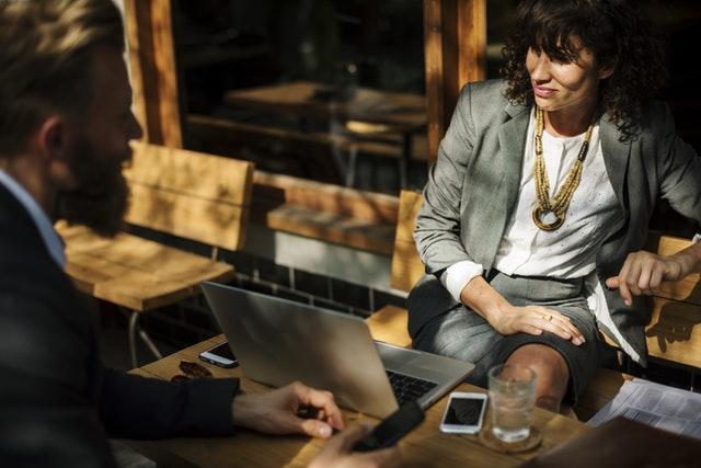 abordar-conversaciones-difíciles-empleados.jpeg